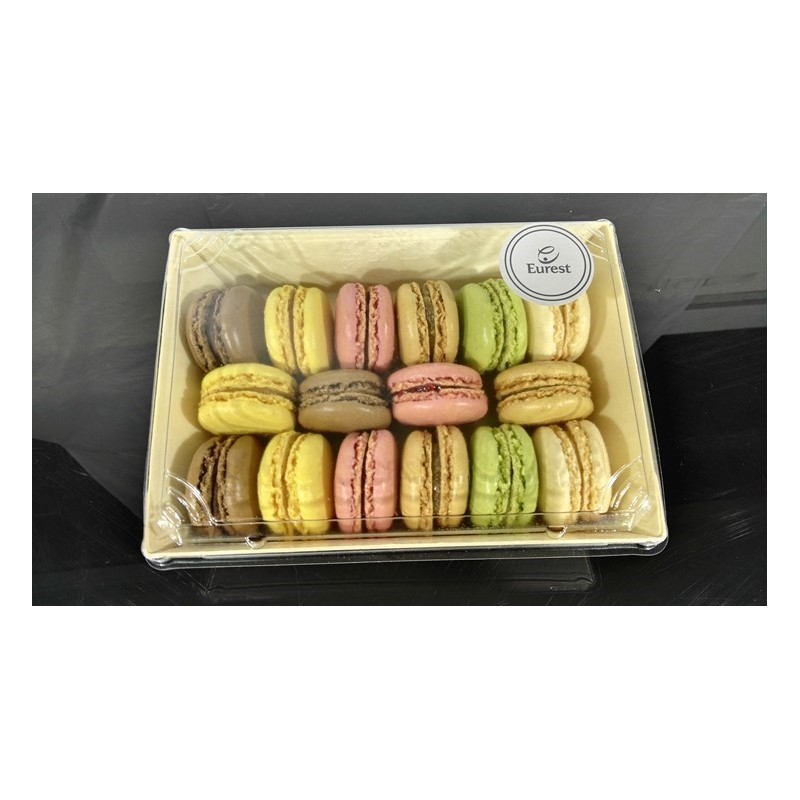 Assorted macarons selection (16 units)
