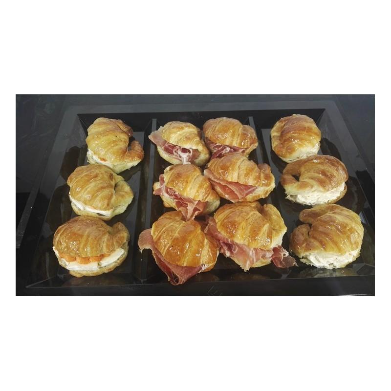 Tray of mini stuffed croissants, 3 fillings (12 u.)