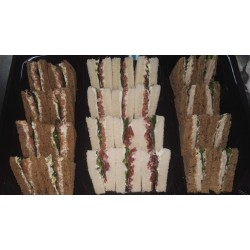 Assortment of English bread mini sandwiches 2 fillings (28 units)