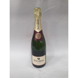 "Cava Brut Nature (Sparkling Wine) 0,75 l ""Juve Camps purple ribbon"""