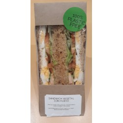 vegetable sandwich with egg